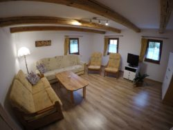 Obývací pokoj s TV a WiFi